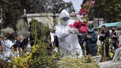 Photo of CHILE OBSERVA UN LEVE REPUNTE PERO A ESTABILIZADO LAS MUERTES POR EL VIRUS